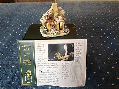 2002 Catch A Cold 2002 Snow Cottage  Lilliput Lane  with deeds