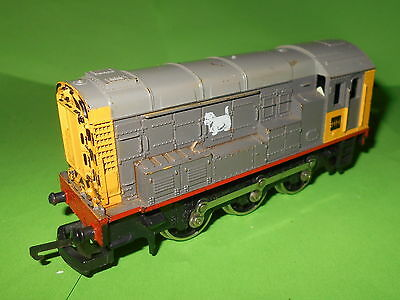 Lima OO gauge Class 09 Diesel Shunter Railfreight Livery for light renovation