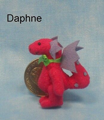 Deb Canham - Mini DAPHNE DRAGON - Dollhouse Miniature