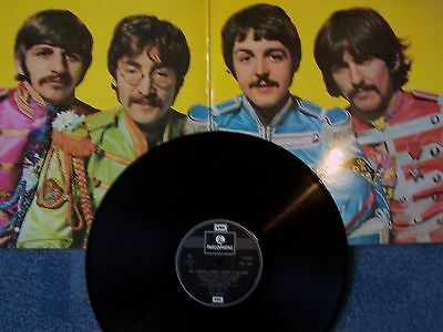 The Beatles, Sgt. Pepper's Lonely Hearts Club Band. Parlophone G/f Sleeve Issue