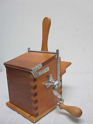 ALESSI TWERGI PEAR WOOD CHEESE ROLLING GRATER by PIAZZA MINT NOT USED!