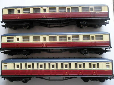Five Hornby Eastern Region Carriages Blood & Custard Good Condition No Boxes