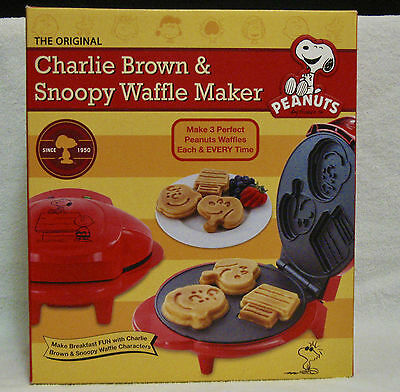 New in Box--Snoopy and Charlie Brown Waffle Maker