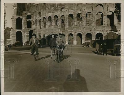 1940 Press Photo Rome Italy bicycles in use during gas rationing