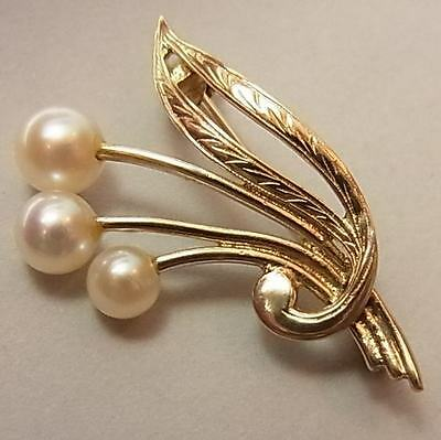 Pretty Vintage (1975) 9Ct Gold And Cultured Sea Pearl Brooch