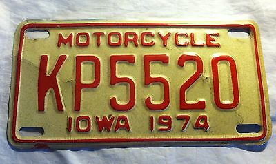 Vintage 1974 IOWA Motorcycle License Plate KP5520 Red & White Cream