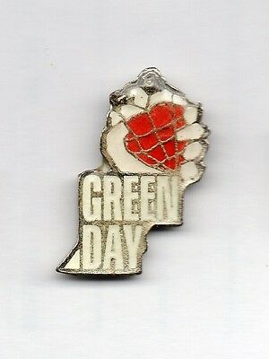 GREEN DAY, pin  (M013)