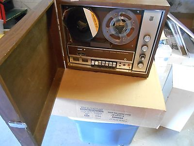 Magnavox 1V 9000 Solid State Stereo Tape Recorder