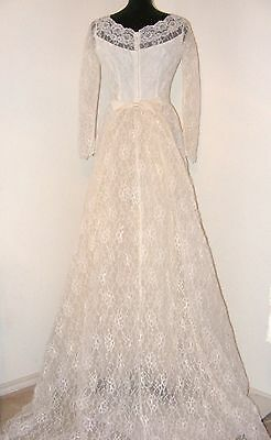 Vintage 1950s Lace Wedding dress with removable train