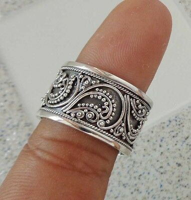 Size 8.5 (US) Solid Silver, 925 Traditional Design Ring 38744