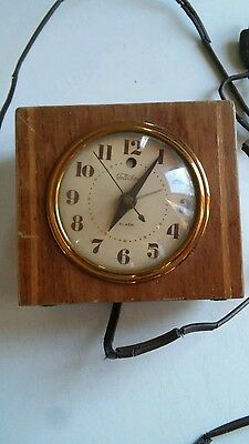 1940's Vintage Warren Telechron Co 7H139 Wooden Electric Alarm Clock USA WORKS!
