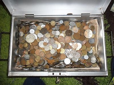 1 kilo of mixed coins  old GB / foreign