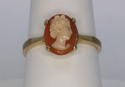Vintage 10K Yellow Gold Small Cameo Ring