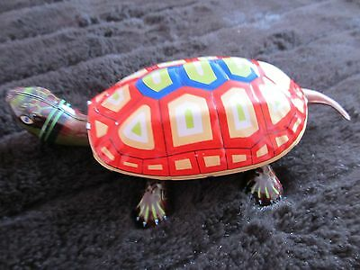 VINTAGE 1980s REPRO TIN PLATE TOY MECHANICAL WIND UP TORTOISE !