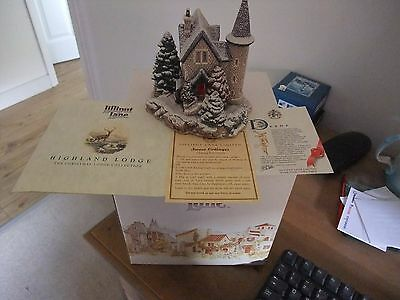 A Fabulous Lilliput Lane Cottage Highland Lodge 1992 Xmas Lodge Collection