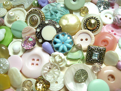 100 Pretty Pastel Buttons And Beads, Vintage/new,glass/plastics