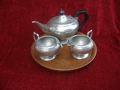 Arts & Crafts planished hammed  english pewter 3 piece tea set & solid oak tray