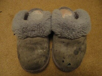 Very Well Worn Used Leather Just Sheepskin Slippers Size 5/6 Grey Mules