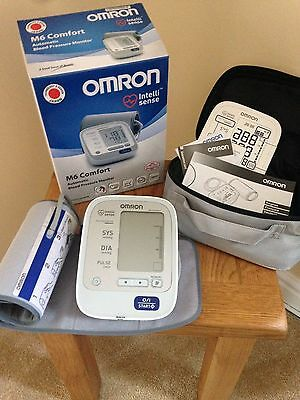 Omron M6 Automatic Blood Pressure Monitor / Carrycase