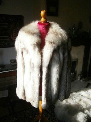 Beautiful vtg WHITE with BROWN ACCENTS fox fur jacket, thick full pelts, MINT!