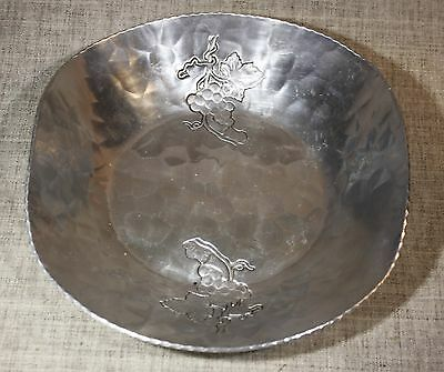 """OGREN HAND FORGED """"Grapes & Leaves"""" Hammered Aluminum Bowl 1930s - 1950s"""