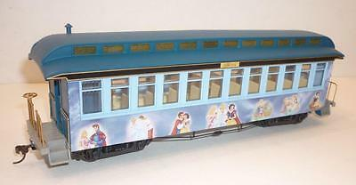 BACHMANN On30 (HO) ga MAGIC OF DISNEY EXPRESS 'PRINCESS' PASSENGER CAR - LIGHTS