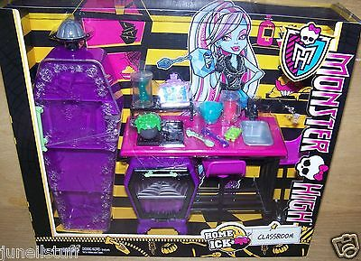 Monster High Home Ick Classroom Play Set NEW