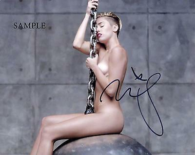 Miley Cyrus #3 Reprint Autographed Photo Picture Signed 8X10 Christmas Gift Rp