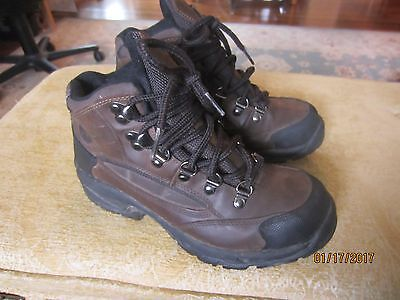 Kids' waterproof Dunham hiking boots brown leather size 6 EUC