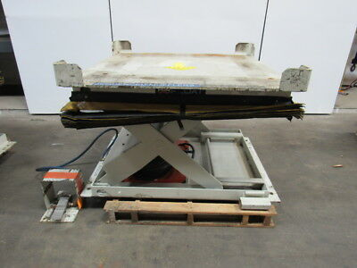 """AIRFLOAT L10-0082-50.50-03-1 2000 LB. Lift Table W/ 50""""x50"""" Top & Safety Skirt"""