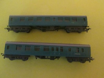 """Tri-Ang `tt Gauge` """"two"""" Southern Region Green Coaches S34245 & S15021"""