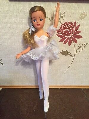 Beautiful Golden Blonde Active Sindy Doll In Pedigree Ballerina Outfit 1986