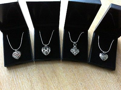 Job Lot Of 4  NEW Items Of Fashion Jewellery Gift Boxed Necklaces New 180117-08
