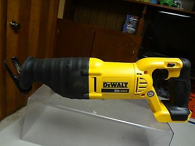 Dewalt - Dcs381 - 20V Cordless Reciprocating Saw Variable Speed - Works Well