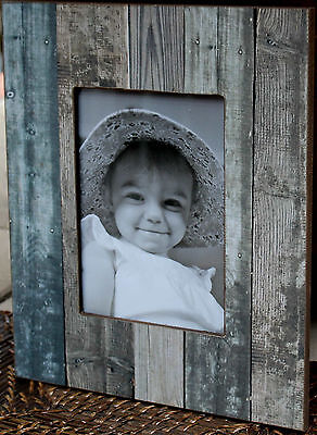 """Industrial  Style  Rustic  Wood  Photo Frame   (  7 """"  x   5  """" )     BRAND NEW"""