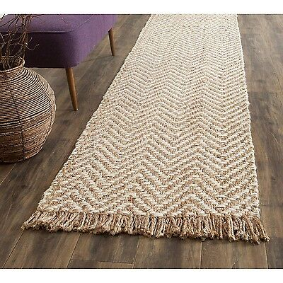 Safavieh Casual Natural Fiber Hand-Woven Bleach / Natural Jute Rug (2'6 x 10')