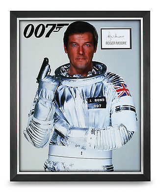 Roger Moore Signed Photo Large Framed 20x16 James Bond 007 Autograph Display COA