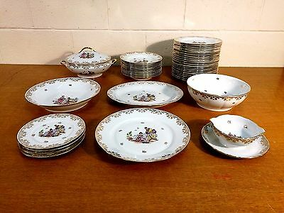 Limoges Dinner Service x 40 pieces. Nankin. 1950s. Beautiful.