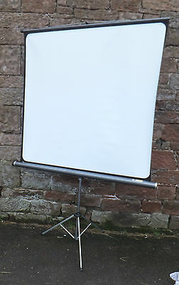 BOOTS Jolly Deluxe PROJECTION Portable PROJECTOR Screen FLOOR Standing VINTAGE