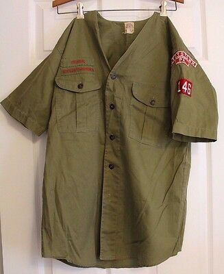 VINTAGE 1950'S OFFICIAL BSA SENIOR BOY SCOUT UNIFORM COLLARLESS SHIRT w/PATCHES