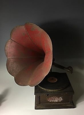 RARE STANDARD MODEL A TALKING MACHINE CO PHONOGRAPH Red HORN
