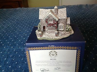 Langdale Cottage 1995 Lilliput Lane boxed with deeds