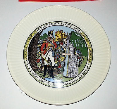 Wedgwood CHILDRENS STORY PLATE 1972 The Tinder Box 81836