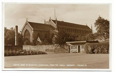 [1643] Suffolk R/P Postcard Bury St Edmunds Cathedral From The Abbey Gardens