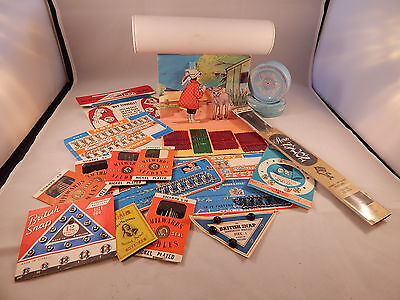 Assorted lot of vintage sewing accessories