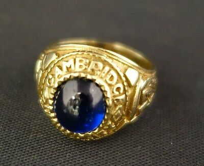 (Wi1) 9ct Gold Cambridge University ring with blue stone