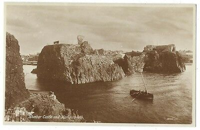 DUNBAR Castle and Harbour Mouth, Postcard by Valentine, Unused