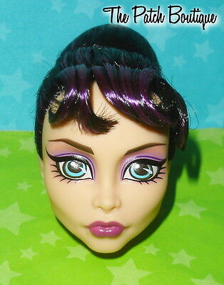 Monster High Tru Exclusive Headmistress Bloodgood Replacement Doll Head Only