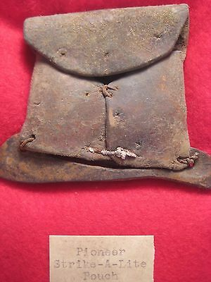 North American Leather Fire Starter Pouch, Fur Trade Strike-A-Lite Bag, Wy-526