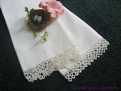 ANTIQUE White LINEN ROMANCE * TATTED LACE * Nubby HUCK LINEN * Vintage TEA TOWEL